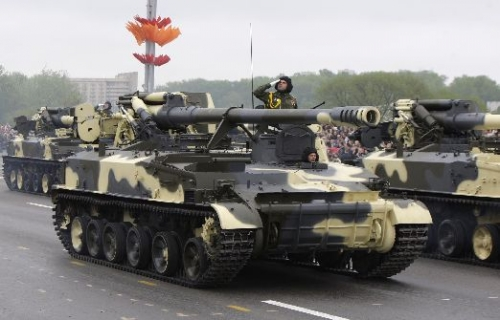 Military Parade in Minsk Marks 65th Anniversary of Soviet Union Victory over Nazi Germany (photo)