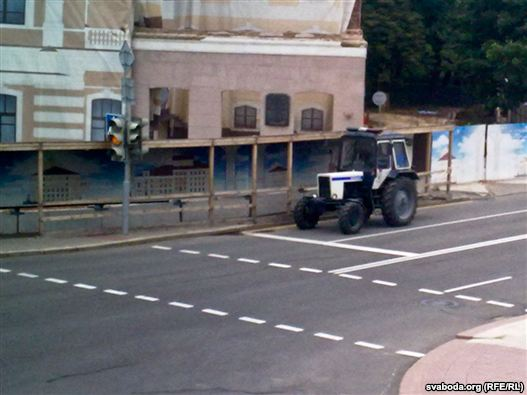 Police blocked for an hour the center of Minsk for protesters - photo