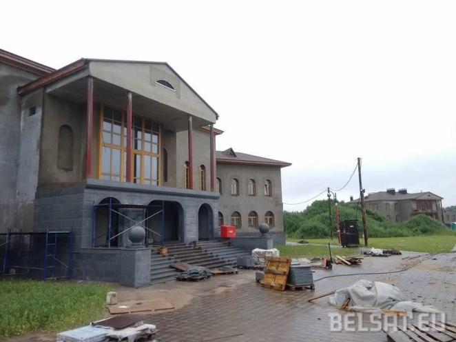 New luxury residence of Lukashenka gets public attention