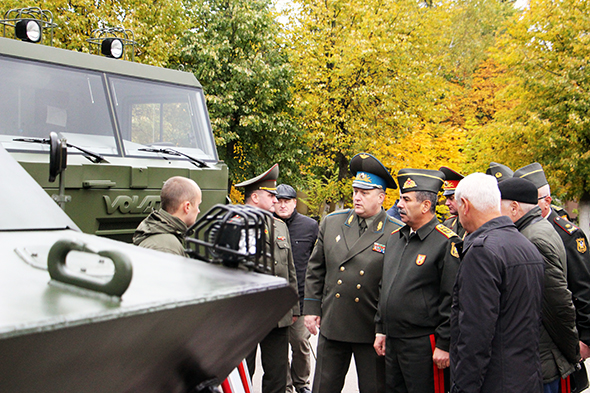 The Belarusian arms business: new deals and old collisions